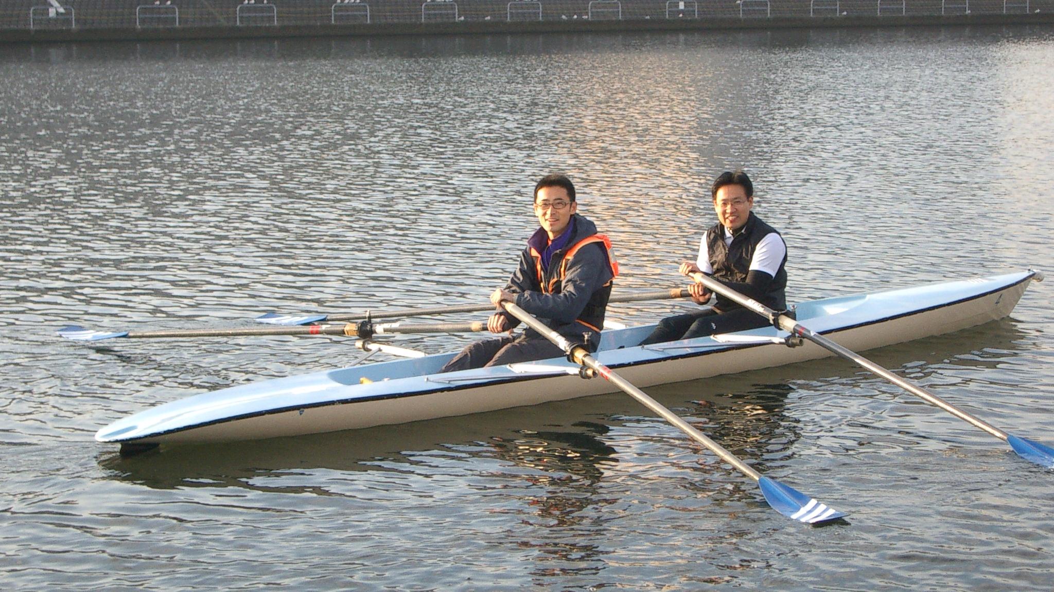 鶴見の漕艇所でボートを初体験!コーチングのクライアント様に手ほどき受ける。