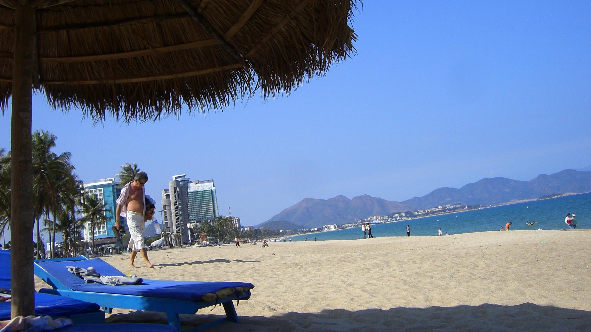 ベトナム2日目:ニャチャンのビーチリゾートで夢のような一日!