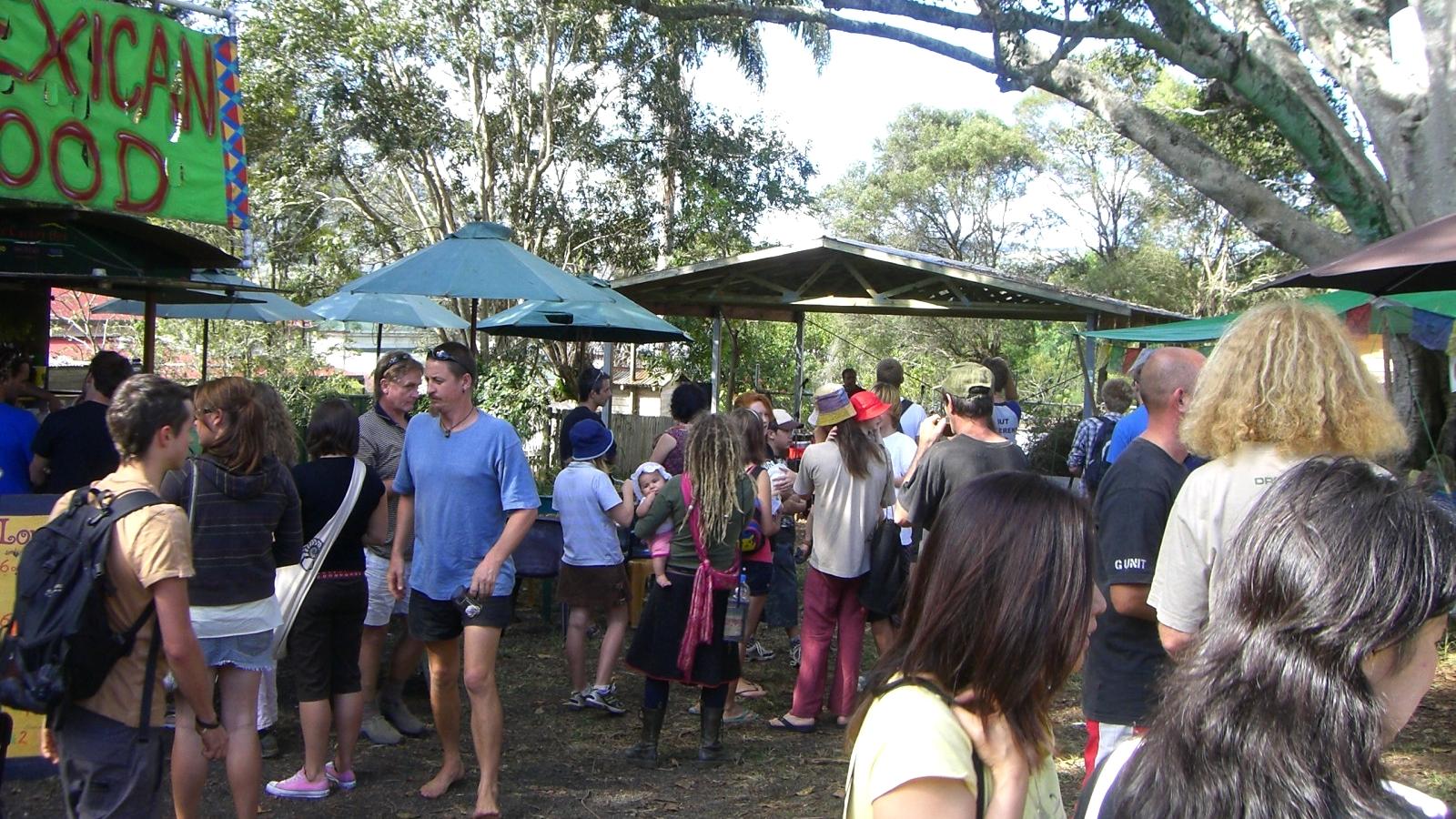 オーストラリア15日目:ヒッピータウンNimbinの青空マーケットへ。